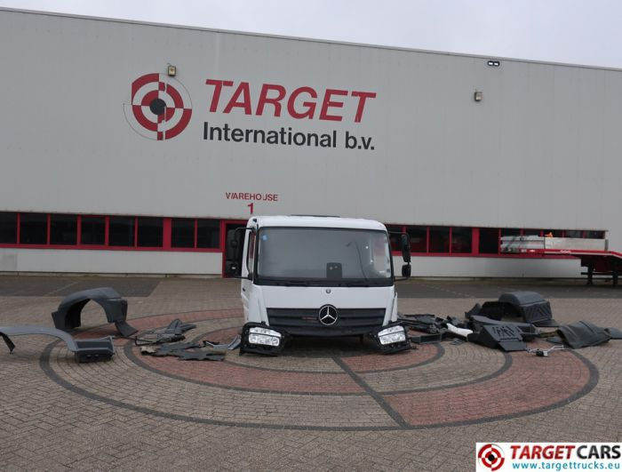 MERCEDES ATEGO 1024 TRUCK CAB WHITE CABIN 2016 INCLUDED PARTS